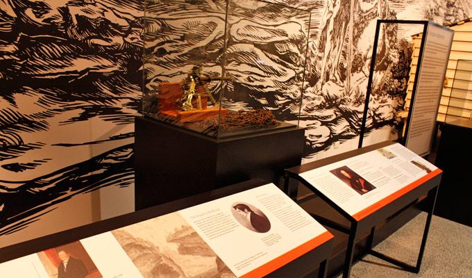 Journeys-exhibition-object-panels-design
