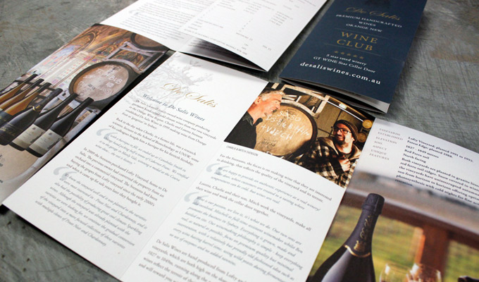 de-salis-wine-clup-membership-brochure-open
